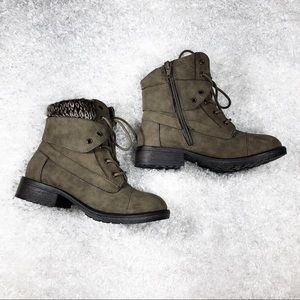 Steve Madden Army Green Lace Up Boots